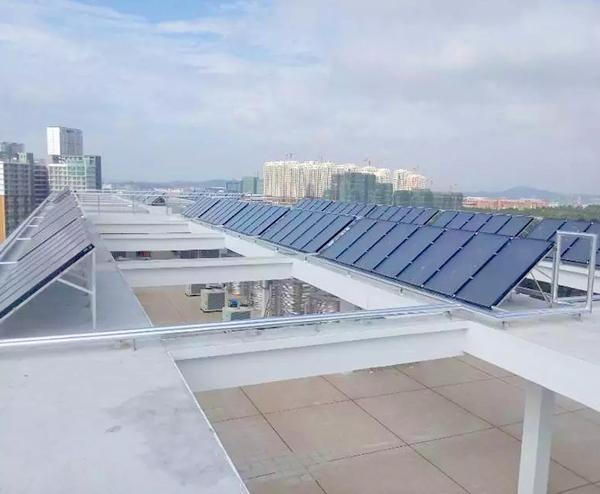 深圳第 一高级中学—80T太阳能+空气能热水工程